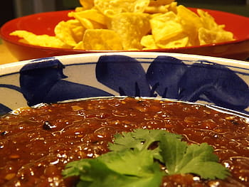 Chips, Salsa and Queso Dip